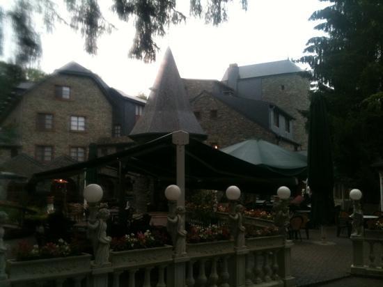 Hostellerie la Sapiniere : kasteel