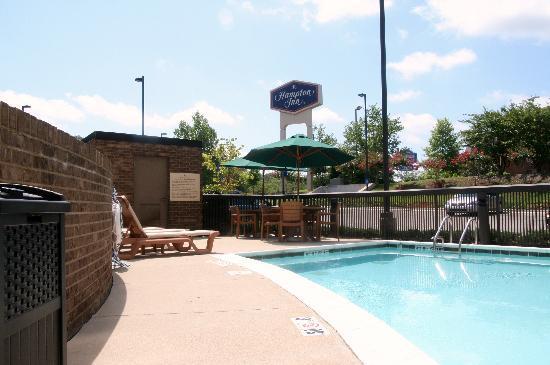 Hampton Inn Birmingham I-65/Lakeshore Drive: Pool