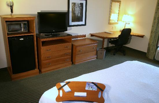 Hampton Inn Birmingham I-65/Lakeshore Drive: King Room