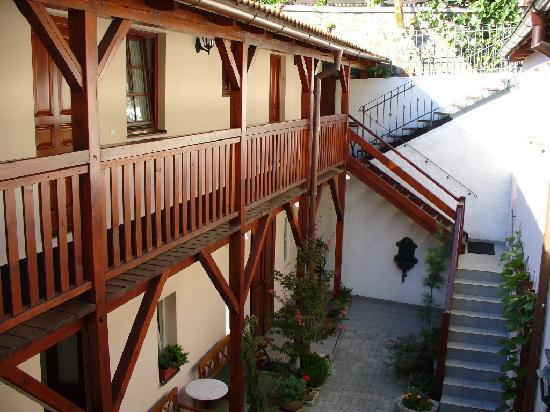 GJ Residence Na Vinohradu: yard