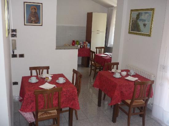 Camere Villa Alessandra: Sala colazioni- Breakfast room