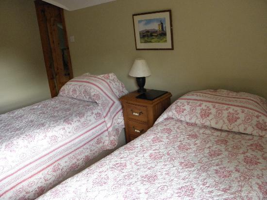 Bunratty Woods Country House: The Beds