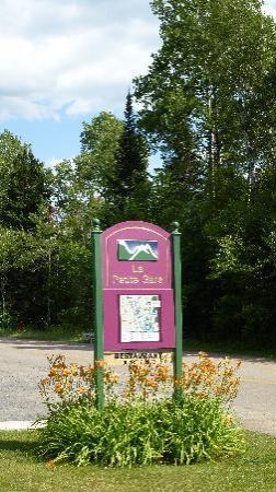 Val Morin, Canada : Accessible également par la route