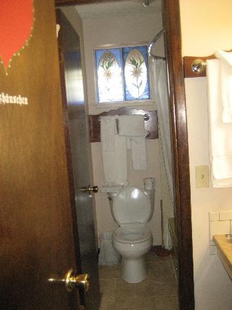 Brynwood on the River: Bathroom