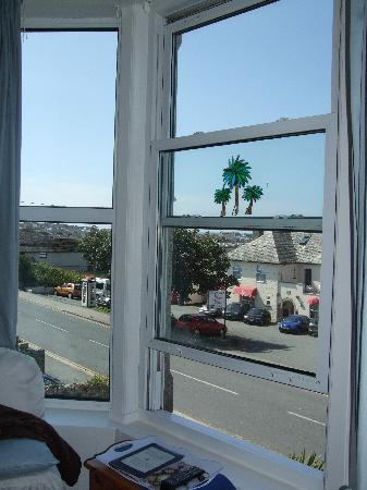 The Croft Hotel: Seating in window to enjoy the views