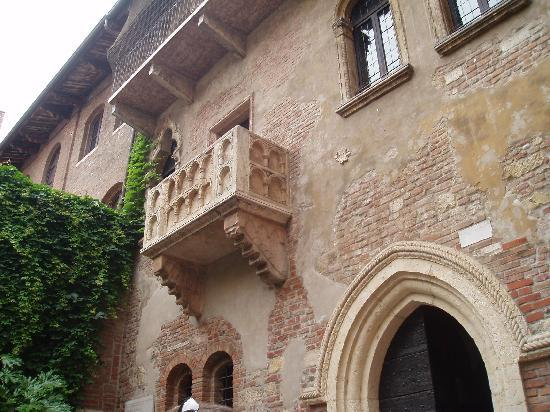 Hotel Virginia: Juliet's balcony, Verona