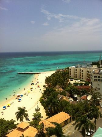 Montego Bay Club Resort: view from apartment balcony