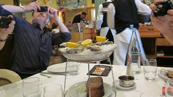 La Coupole : Oysters!
