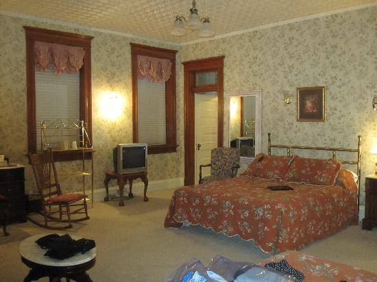 Cripple Creek Hospitality House & Travel Park: Yes, this is our private room!