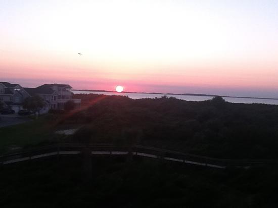 Lighthouse Point Beach Club : View at sunset from Lighthouse Point, Tybee Island