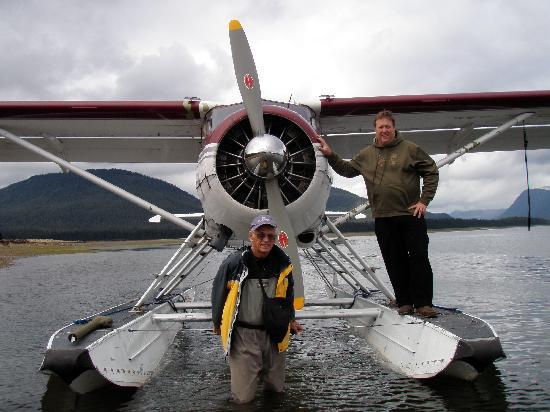 Dove Island Lodge: The Float Plane