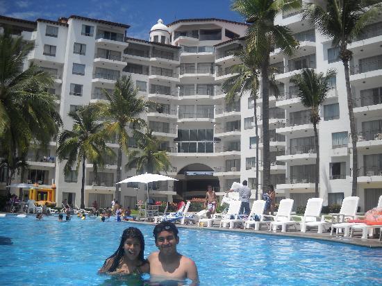 Vamar Vallarta All Inclusive Marina and Beach Resort: Desde la alberca