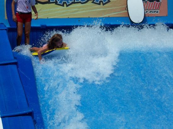 Big Kahuna's Water and Adventure Park: Virtual surf.