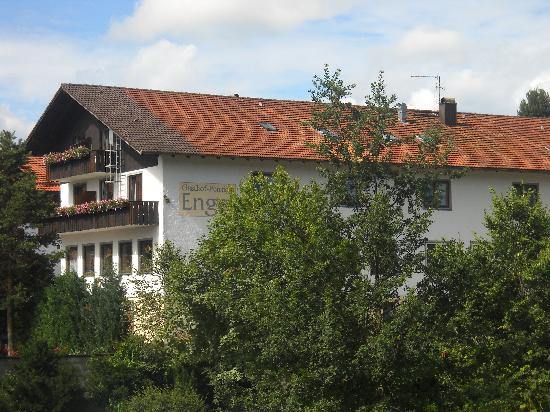 Hopferau, Tyskland: Side of the hotel