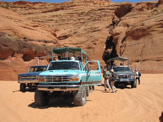 Antelope Slot Canyon Tours: Tour trucks that take you out to the canyon.