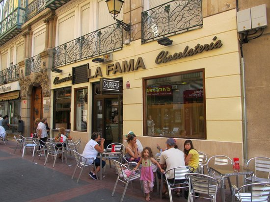 Churreria la fama zaragoza casco antiguo restaurant for Luxury hotel zaragoza
