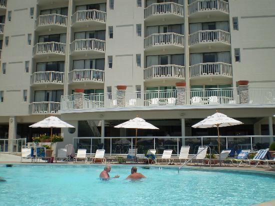 Port Royal Hotel: Pool view