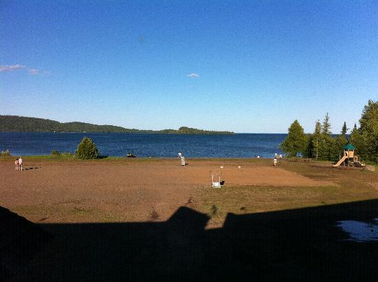 "Grand Portage Lodge and Casino: dirt field outside the ""lake view"" room"