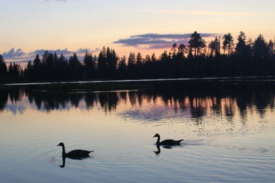 Manzanita Lake Camping Cabins: Sunset on Manzanita Lake