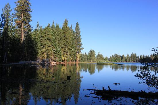 manzanita lake camping cabins bewertungen fotos lassen volcanic nationalpark kalifornien. Black Bedroom Furniture Sets. Home Design Ideas