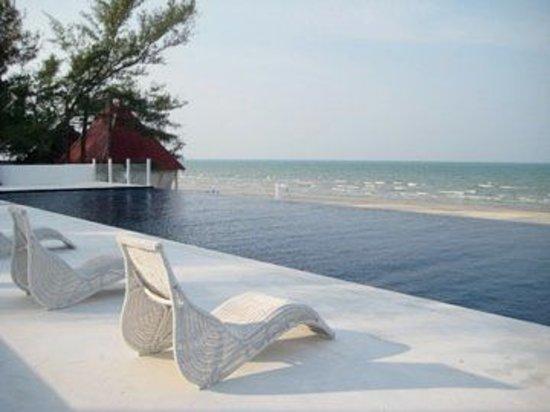 Photo of Villa Danialla Beach Resort Kota Bharu