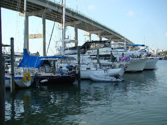 ‪ماتانزاس إن ريزورت: view of adjoining marina and bridge‬