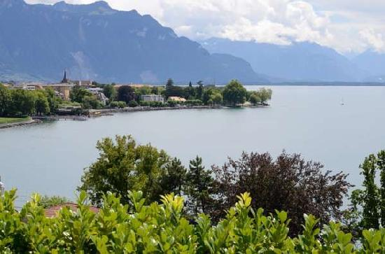 B&B Corseaux Beach: view of Lake Geneva from our terrace