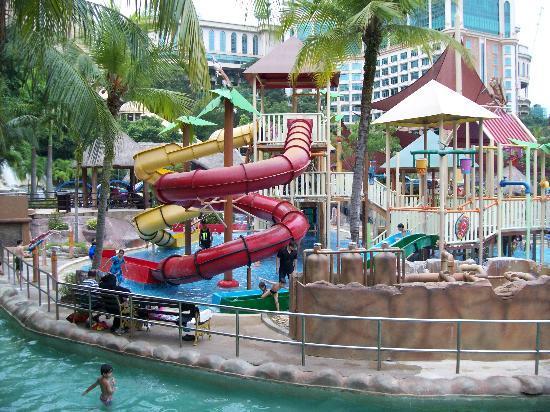 Petaling Jaya, Malasia: more wet rides