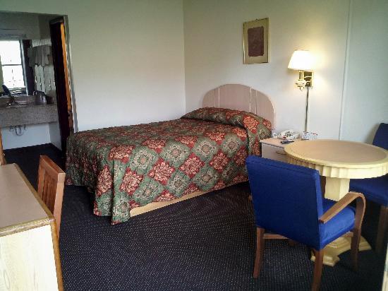Sunset Inn Hattiesburg: Single Bed