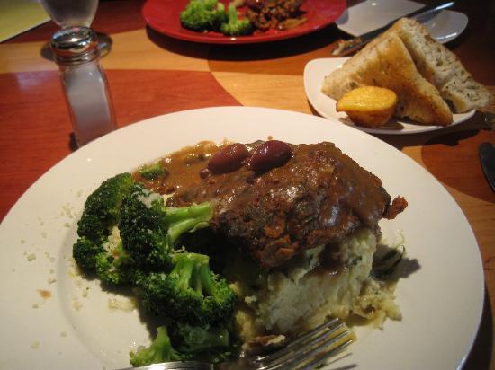 "Detroit Marriott Livonia: Wonderful Veggie ""Meatloaf"""