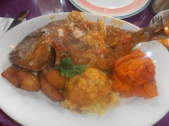 Cuzzin's Caribbean Restaurant and Bar: Yummy lunch at Cuzzin's!