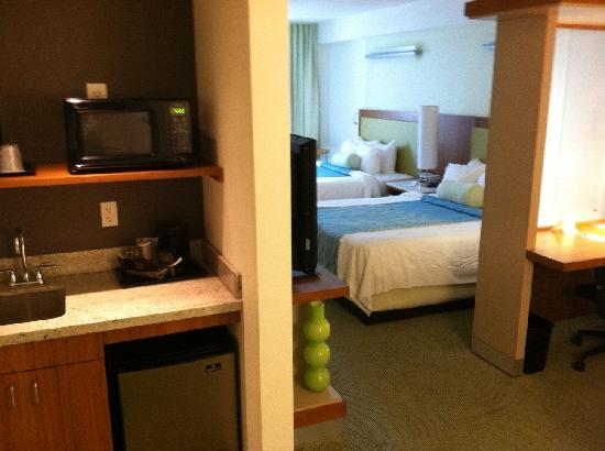 SpringHill Suites Athens: Double Bed Suite - office area
