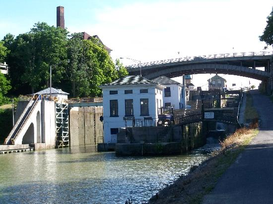 Lockport, NY: Another view of the Erie Canal