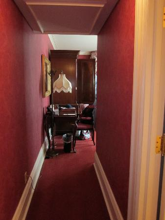 Prince of Wales: entrance to the room