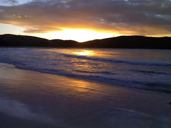 Villa Flamenco Beach:                   winter sunset..... beats NYC