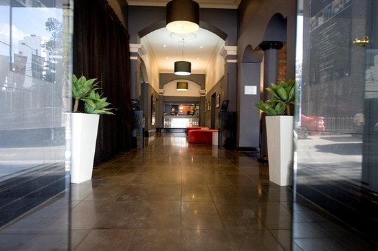Pensione Hotel Melbourne - by 8Hotels: Reception Area