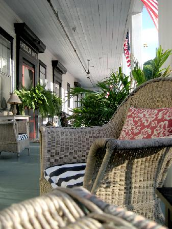 The American Hotel: Sunday afternoon on the veranda
