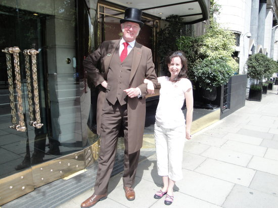 The Athenaeum Hotel & Residences: Door Man Entry...They become your friend