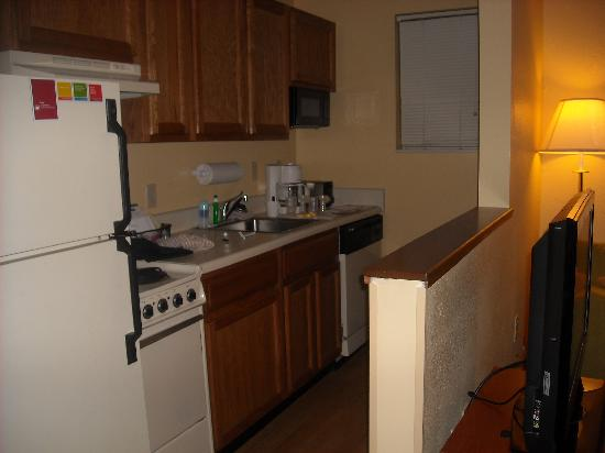 Residence Inn New Orleans Metairie: great kitchen!