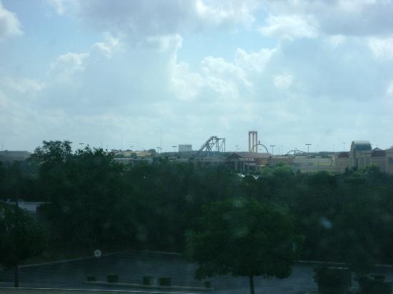Wyndham Garden San Antonio near La Cantera: View of Fiesta Texas from our room.