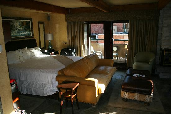 Aspen Square Condominium Hotel: Room 218