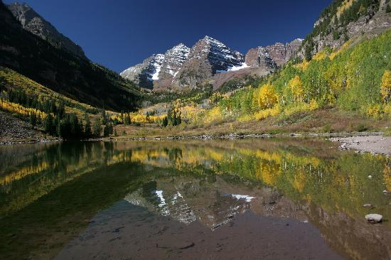 Aspen Square Condominium Hotel: Maroon Bells and Maroon Lake