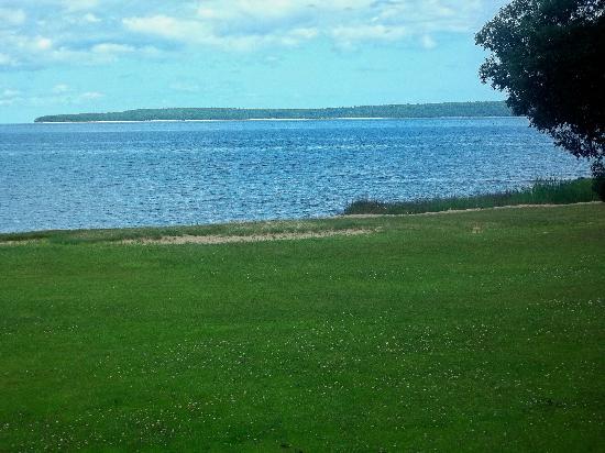 Breakers Resort - Lakeside : Room view of lawn, beach, Mackinac Island