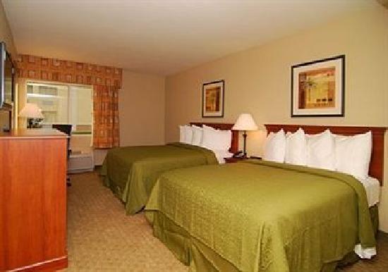 Quality Inn & Suites Near Fairgrounds Ybor City: Double bed room
