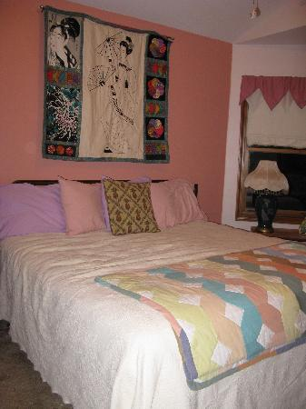 Crater Lake Bed and Breakfast: Room
