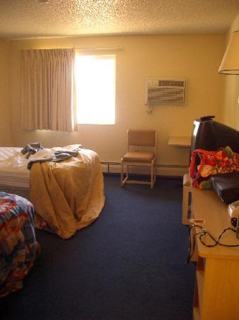 Motel 6 Spokane East: room