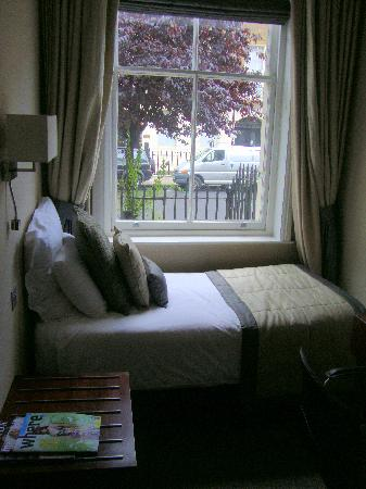 Grange Beauchamp Hotel: single bed