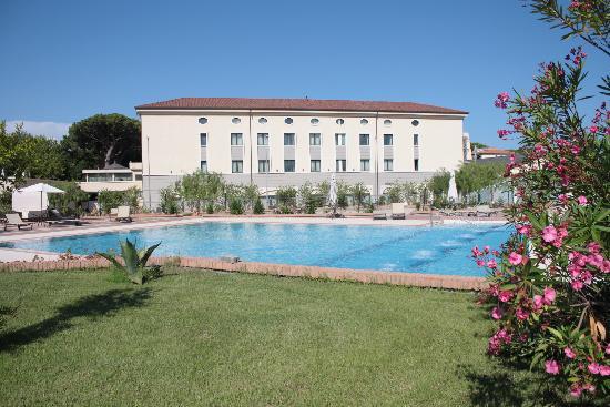 Grand Hotel Paestum Tenuta Lupo': foto scattata dal parco privato dell'hotel