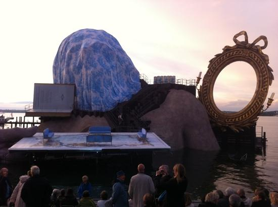 Hotel Bodensee: stage for Andre cheneir opera