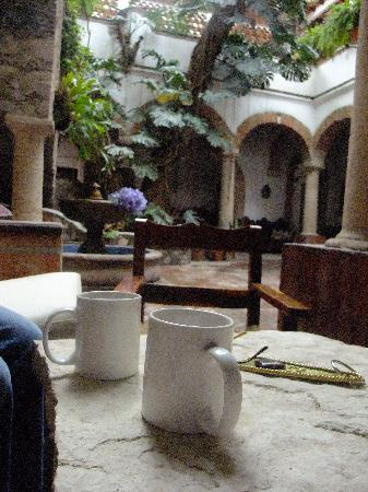 Hotel Los Arcos: Morning Coffee